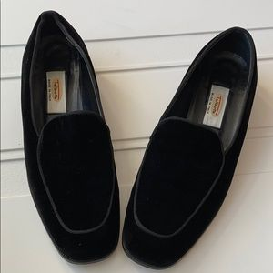 Talbots Vintage Velvet Loafers Black SZ 6.5